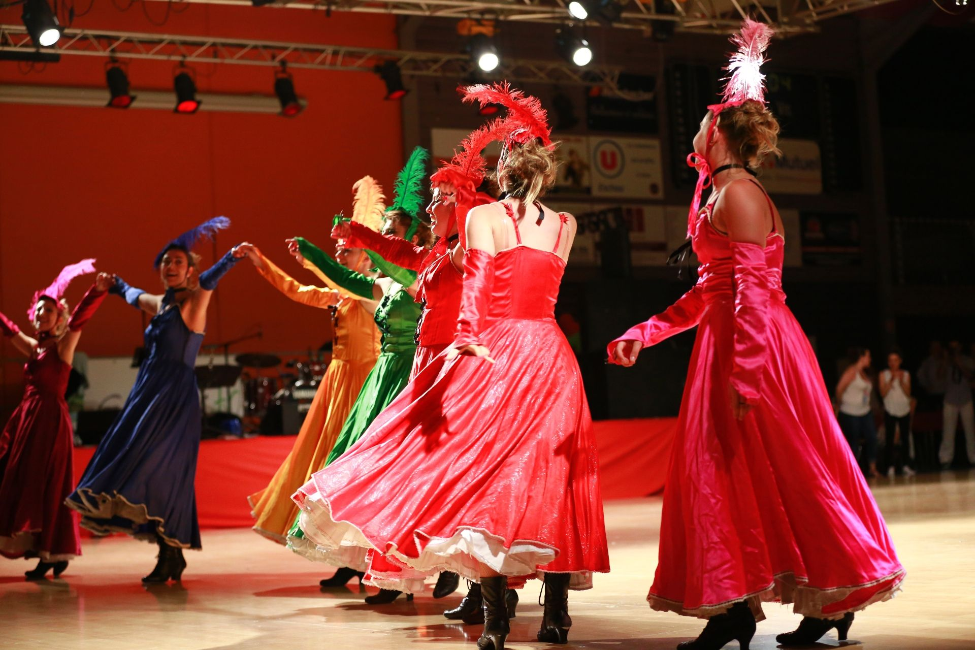 K DANSE FRENCH CANCAN (75)